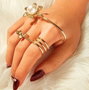 Pearl Flower Hand Ring🔥 🆕️